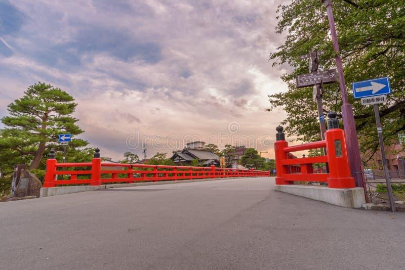 Puente rojo de Nakabashi en Takayama foto de archivo libre de regalías