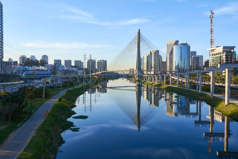 Puente Sao Paulo de Estaiada fotos de archivo
