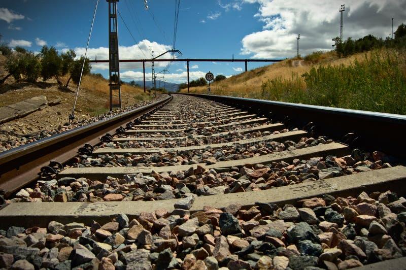 Puente sobre el tren imagen de archivo libre de regalías