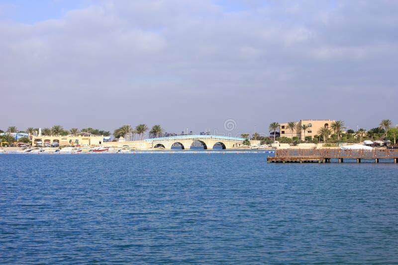 Download Puente Sobre La Agua De Mar Foto de archivo - Imagen de drive, tropical: 42440038