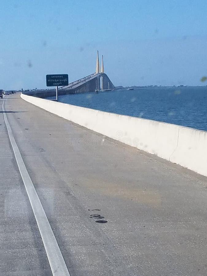 Puente sobre la bah?a fotografía de archivo libre de regalías