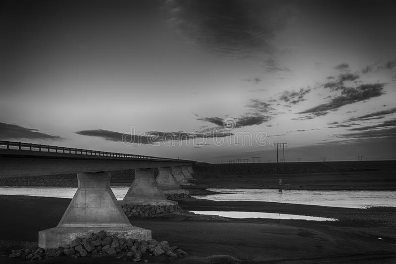 Puente solitario Islandia de la tierra fotografía de archivo libre de regalías
