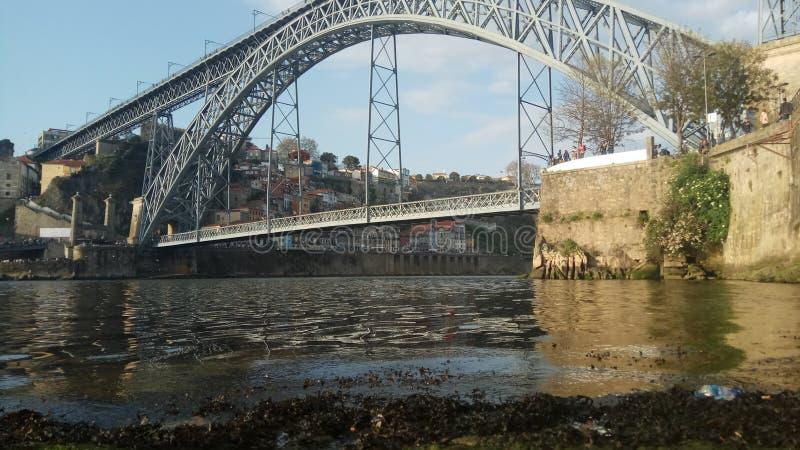 Puente viejo imagenes de archivo