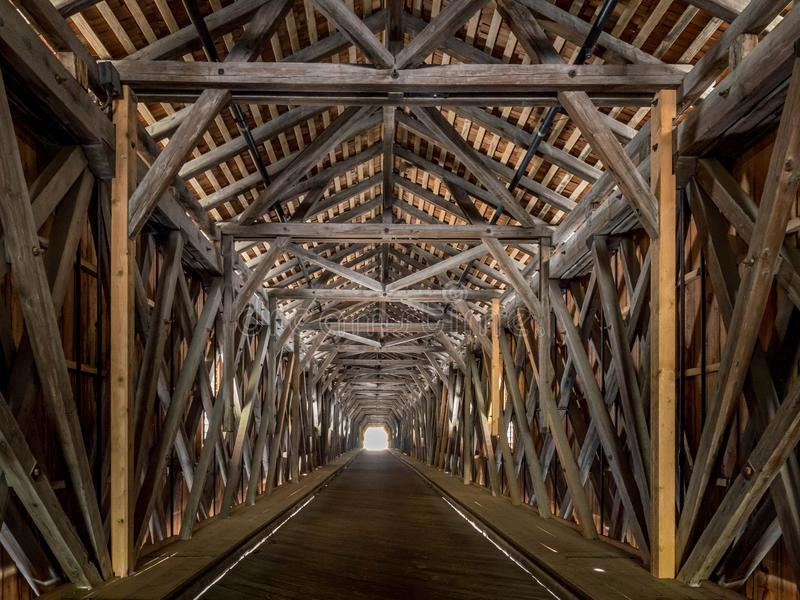 Puente viejo del Rin de Suiza a Liechtenstein, Vaduz, Liech imágenes de archivo libres de regalías