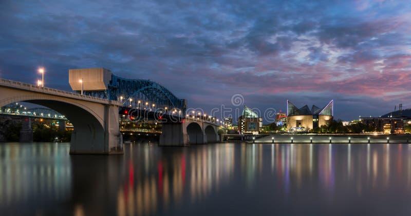 Puente y acuario de la calle de mercado imagen de archivo