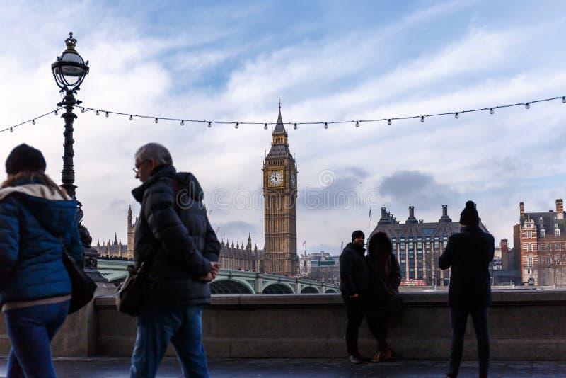 Puente y Big Ben de Westminster en invierno foto de archivo libre de regalías