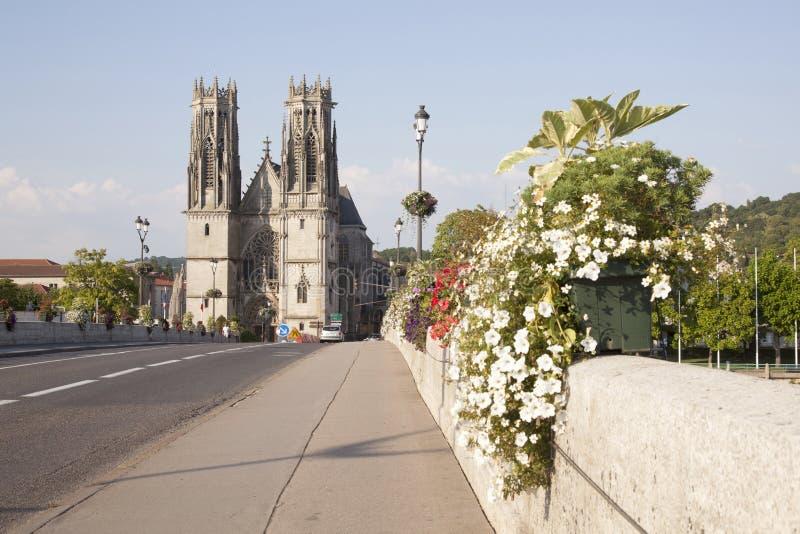 Puente y catedral del pont un mousson fotografía de archivo libre de regalías