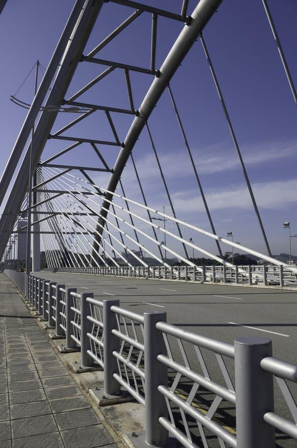 Puente y pasamano del acero estructural fotos de archivo libres de regalías