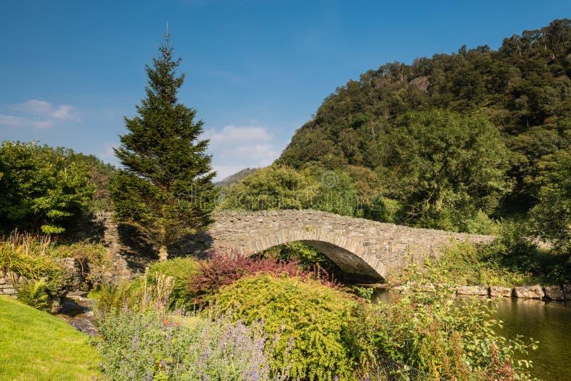 Puente y río Derwent del granero imagen de archivo