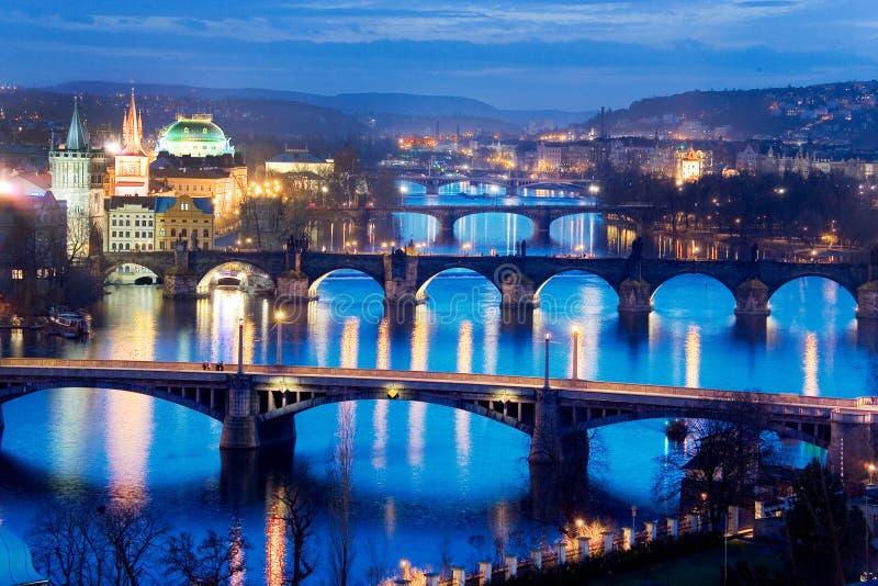 Puentes de Praga y río de las huertas de Letna, Lesser Town, Praga, República Checa de Moldau fotografía de archivo libre de regalías