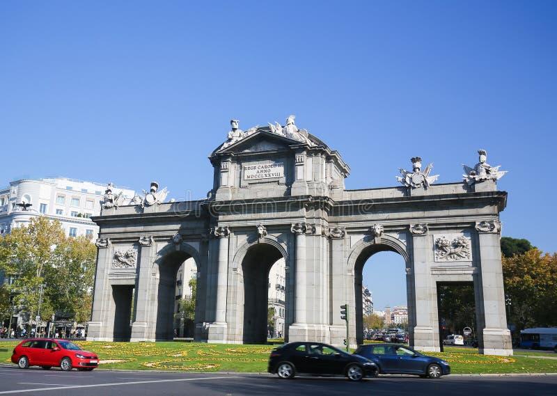puerta Испания de madrid alcala стоковые изображения