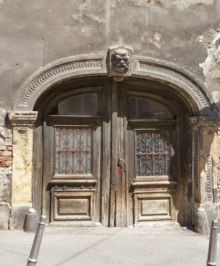 Puerta antigua de Zagreb fotografía de archivo