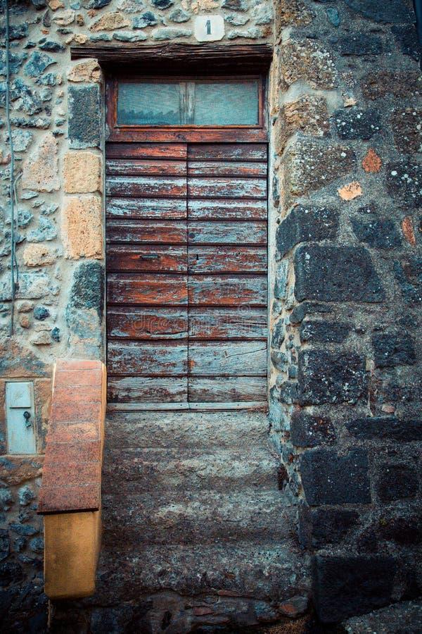 Puerta antigua del ` s del lagar en Toscana 27 fotografía de archivo libre de regalías