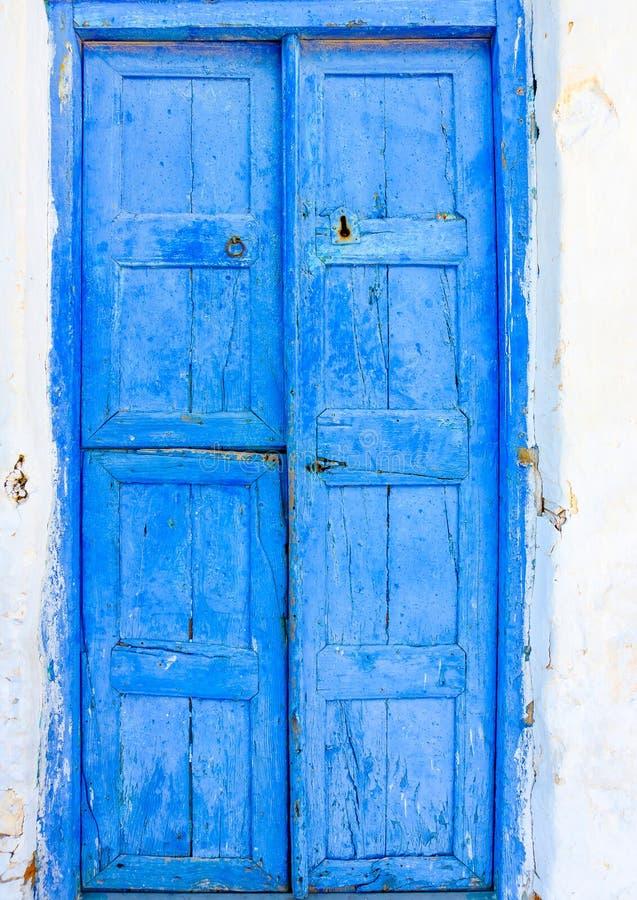 Puerta azul fotos de archivo