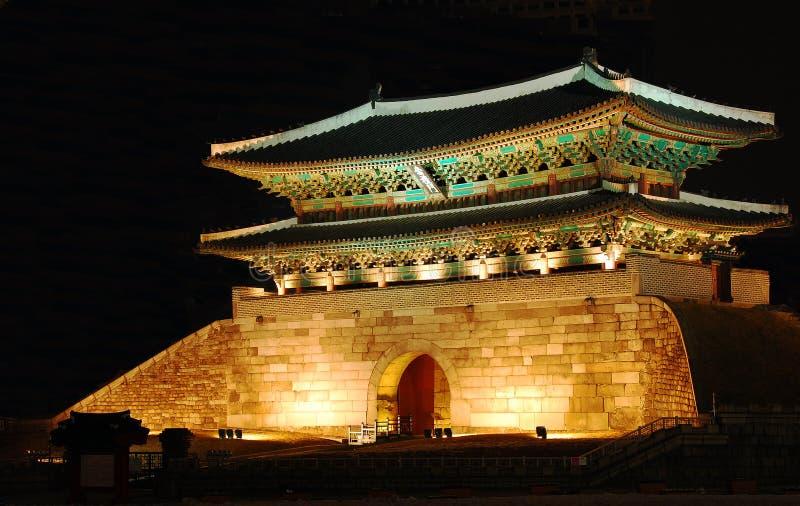 Puerta coreana antigua fotografía de archivo libre de regalías