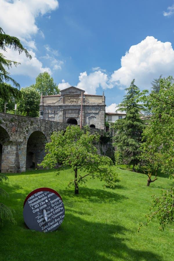Puerta de Agustín del ` de Sant vía de Noca - Bérgamo fotos de archivo libres de regalías