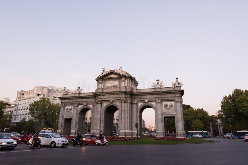 Puerta de Alcala (строб) Alcala, Мадрид стоковое изображение rf