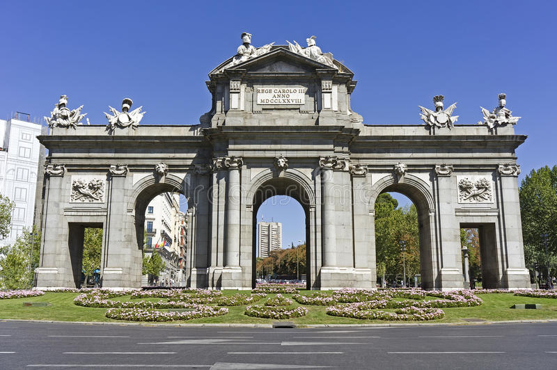 Download The Puerta De Alcala, Madrid Stock Photo - Image: 26648232