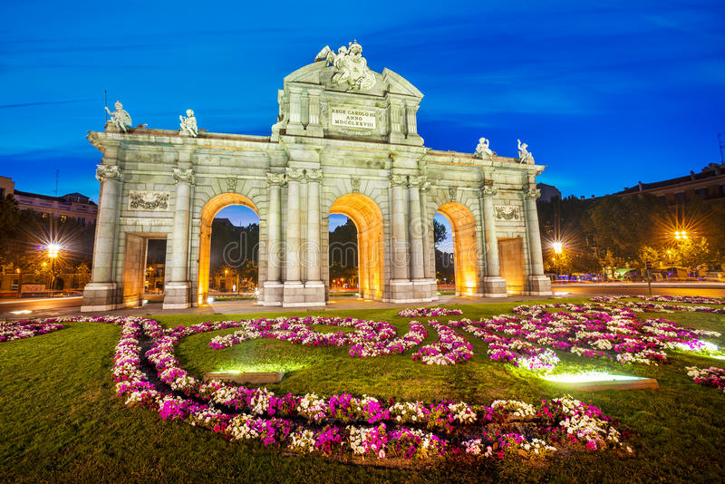 Puerta de Alcala, Madrid, Spanien royaltyfri fotografi