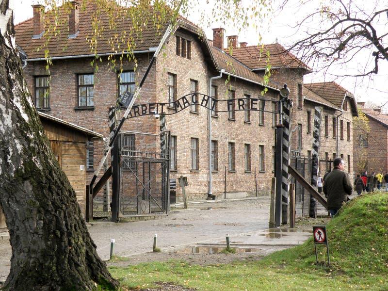 Puerta de Arbeit Macht Frei del campo de concentración de Auschwitz fotografía de archivo libre de regalías