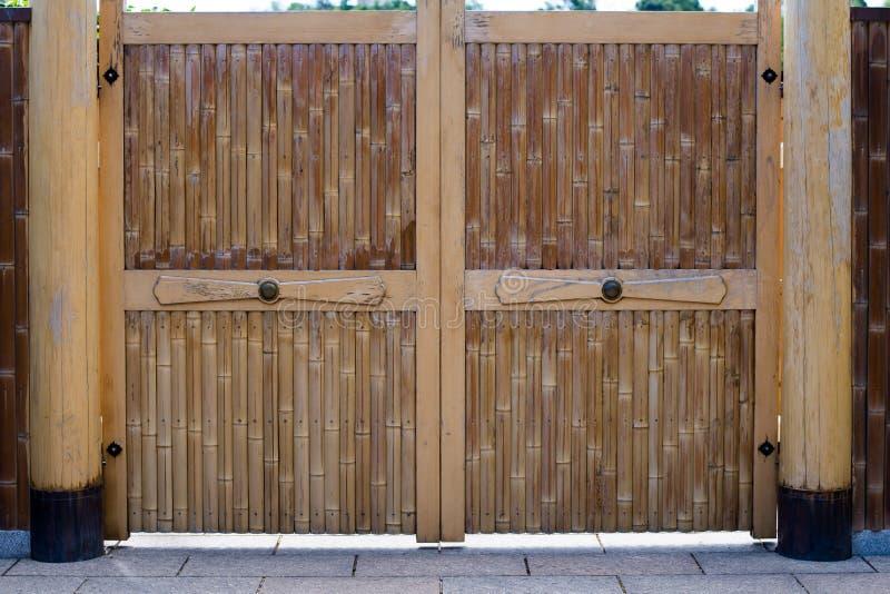 Puerta de bambú fotos de archivo libres de regalías