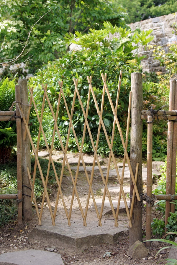 Puerta de bambú fotografía de archivo libre de regalías