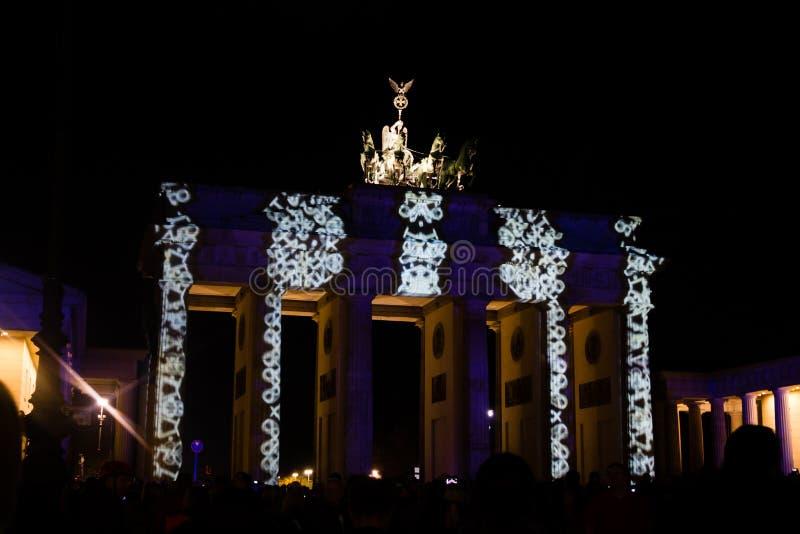 PUERTA de BRANDEBURGO, BERLÍN - 14 de octubre de 2017: Festival de luces imagenes de archivo