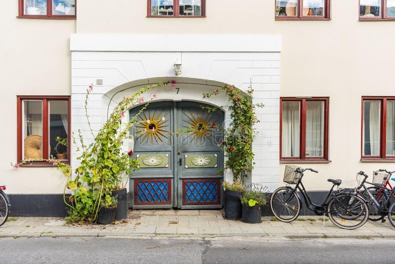Puerta de calle divertida Ystad Suecia fotos de archivo libres de regalías