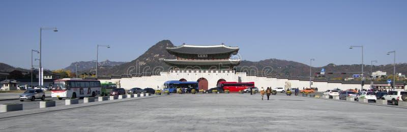 Puerta de Gwanghwamun en el palacio Seul céntrica de Gyeongbokgung imagen de archivo libre de regalías