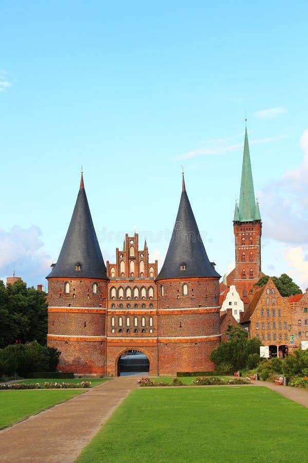 Puerta de Holsten, Lubeck, Alemania imagen de archivo libre de regalías