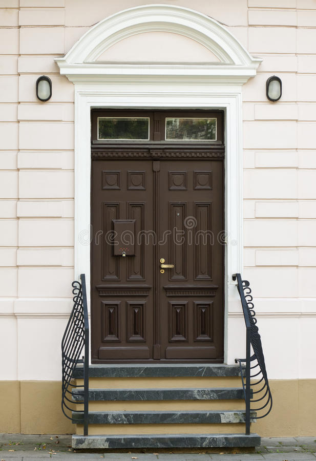 Puerta de la casa fotos de archivo libres de regalías