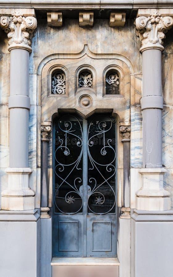 Puerta de la cripta fotografía de archivo libre de regalías