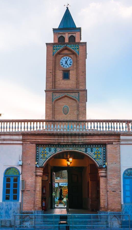 Puerta de la entrada de la catedral de Vank en Isfahán - Irán fotos de archivo