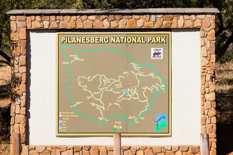 Puerta de la entrada del parque nacional de Pilanesberg, Suráfrica imagen de archivo