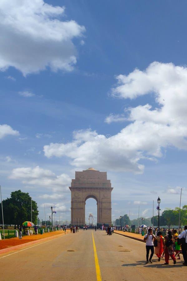 Puerta de la India en fondo del cielo imágenes de archivo libres de regalías