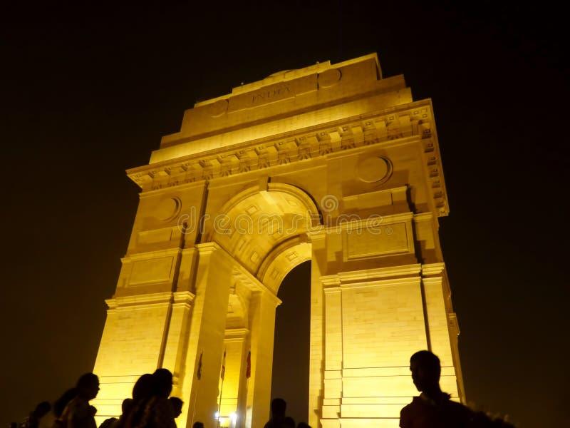 Puerta de la India en la noche imágenes de archivo libres de regalías