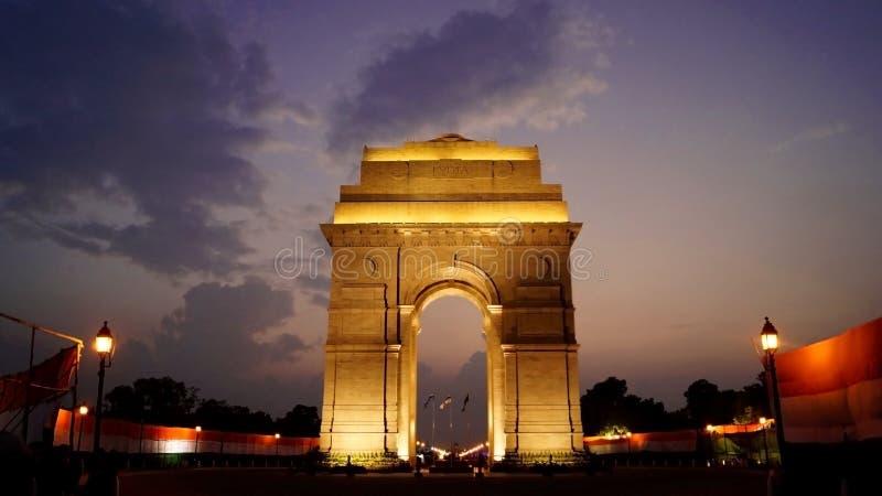Puerta de la India en la noche foto de archivo libre de regalías