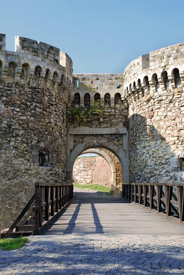 Puerta De La Torre De La Fortaleza De Piedra En Belgrado Foto de archivo libre de regalías