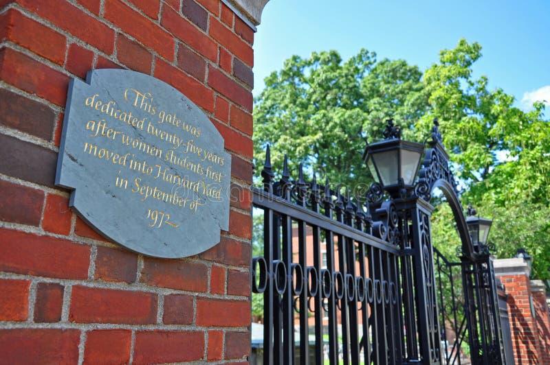 Puerta de la Universidad de Harvard, Boston, los E.E.U.U. imagen de archivo