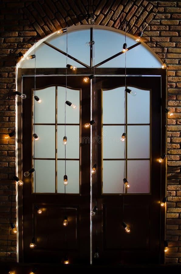 Puerta de las luces de la Navidad foto de archivo