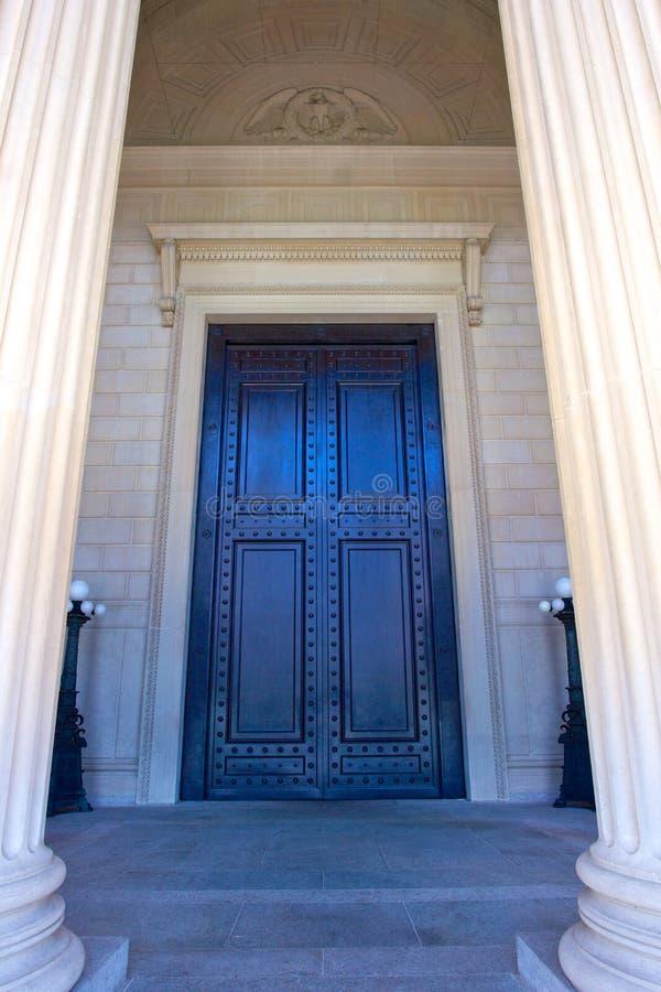 Puerta de los archivos nacionales imagen de archivo