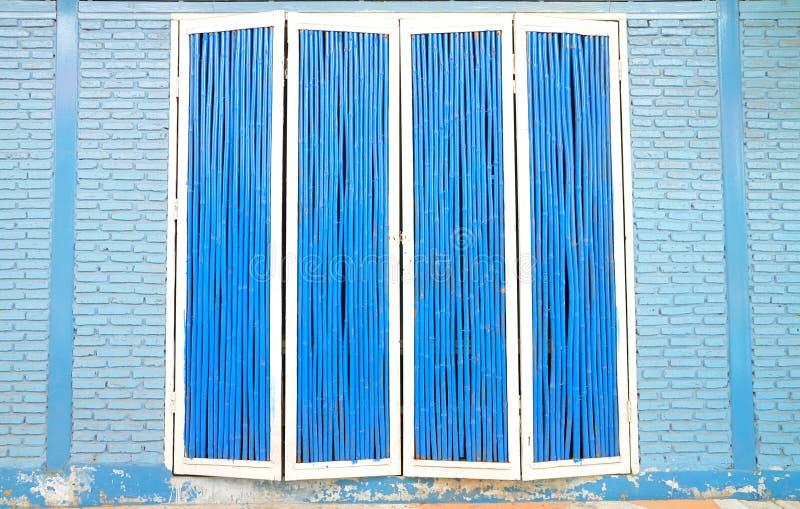 Download Puerta De Madera Azul Y Blanca Imagen de archivo - Imagen de outdoor, fondo: 41903613