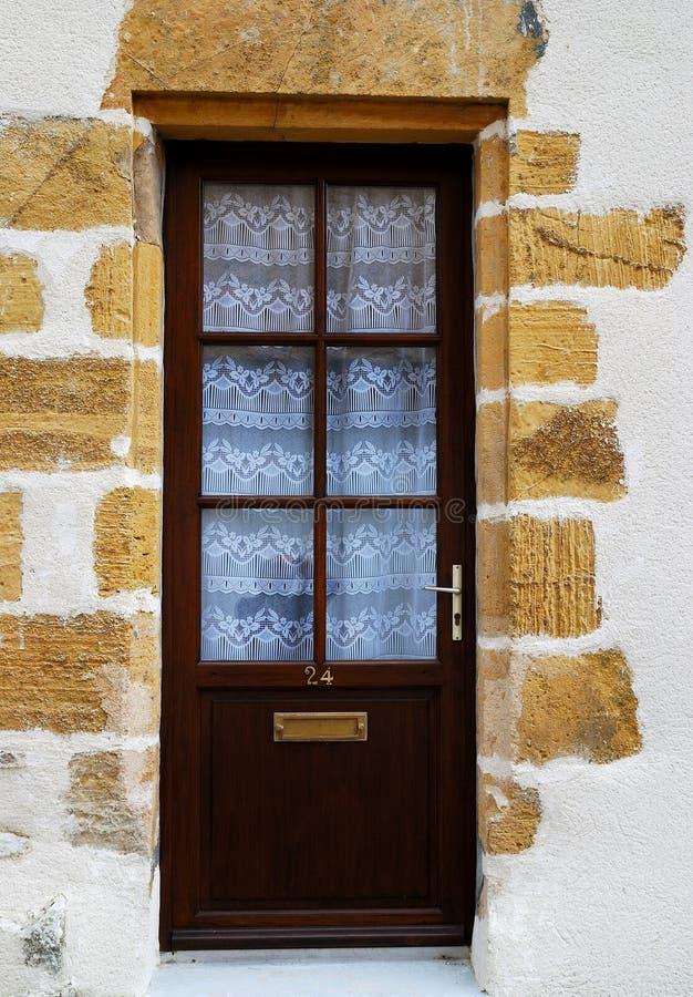 Puerta de madera en Francia fotografía de archivo libre de regalías