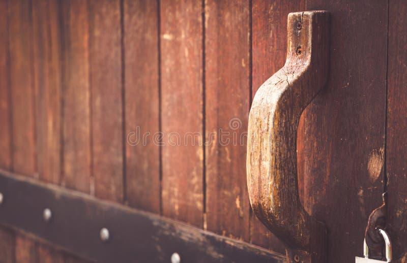 Puerta de madera vieja imagen de archivo