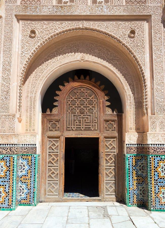 Puerta de Madrasa imagen de archivo