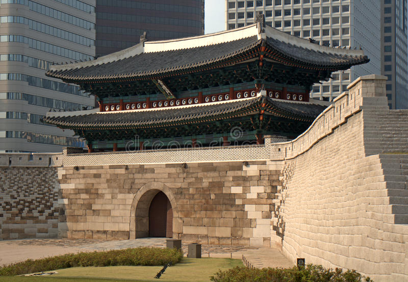 Puerta de Namdaemun, Seul, república coreana imagenes de archivo