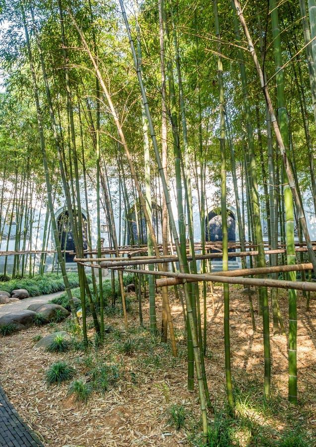 Puerta de nordeste del parque de Gucheng, Shangai, China imagen de archivo