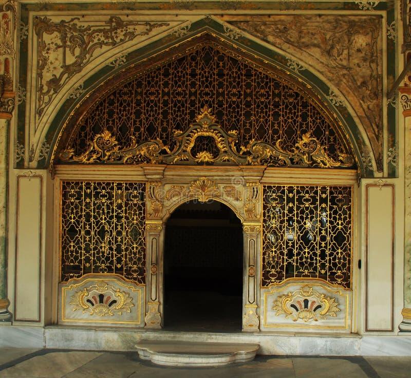 Puerta de oro fotos de archivo