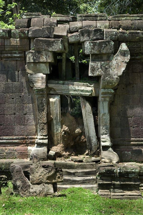 Puerta de piedra foto de archivo libre de regalías