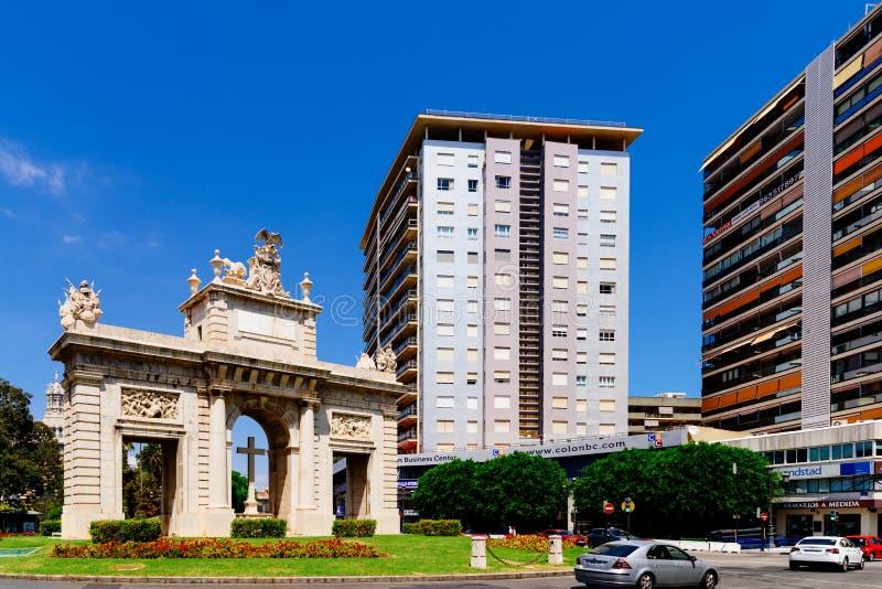 Puerta de Plaza de la Puerta Del Mar del cuadrado del mar en Valencia City In Spain céntrico fotografía de archivo